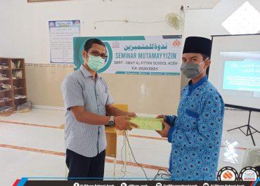 SMAIT Al-Fityan School Aceh menyelenggarakan Seminar Mutamayyizin